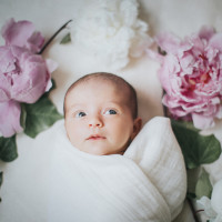 Lifestyle Newborn Session in Ventura